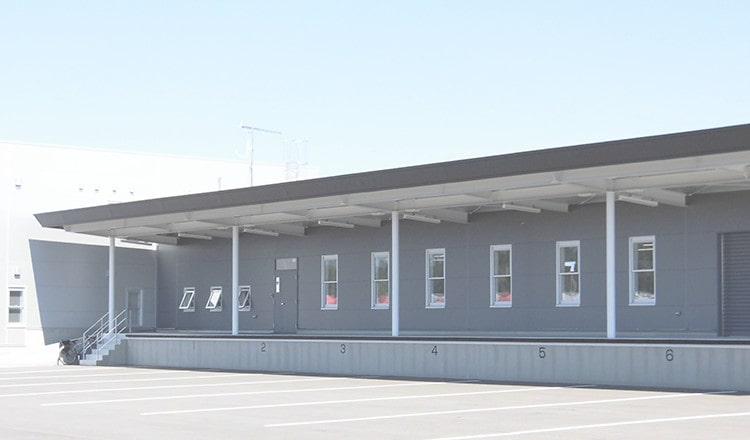 八幡自動車株式会社の外観を写した画像